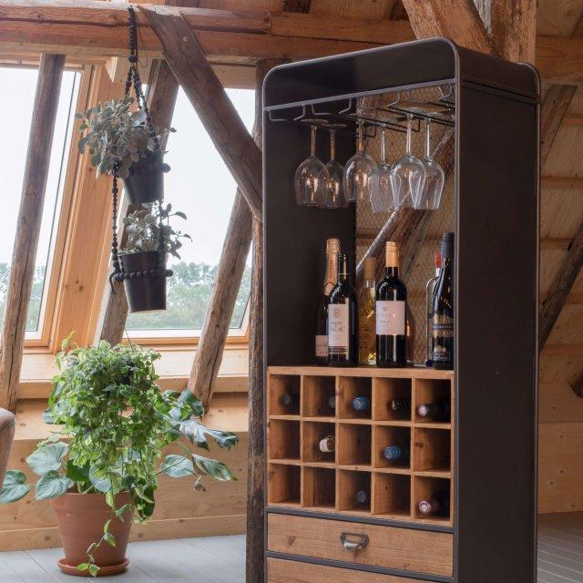 Ormarić Vino