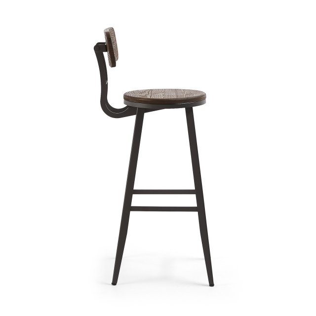 Barska stolica Rihana Brown