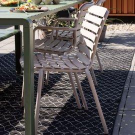 Vrtna stolica s rukonaslonom Vondel Clay